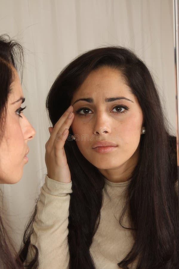 female herself looking στοκ φωτογραφία με δικαίωμα ελεύθερης χρήσης