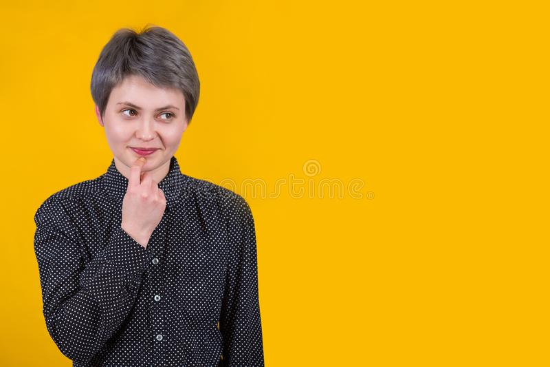 Femelle caucasienne rêveuse photographie stock