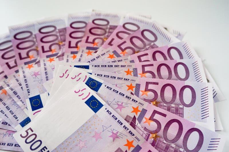 Femhundra eurosedlar i fan royaltyfria bilder
