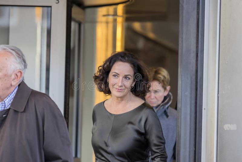 Femke Halsema an der Erinnerungszeremonie beim Concertgebouw in Amsterdam 27-10-2018 die Niederlande für den Tod von Wim Kok stockfotos