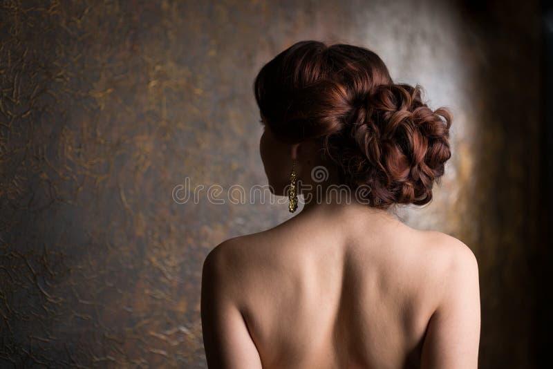Femme élégant dans la robe de soirée images libres de droits