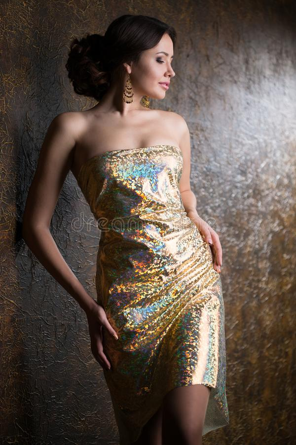 Femme élégant dans la robe de soirée photos stock