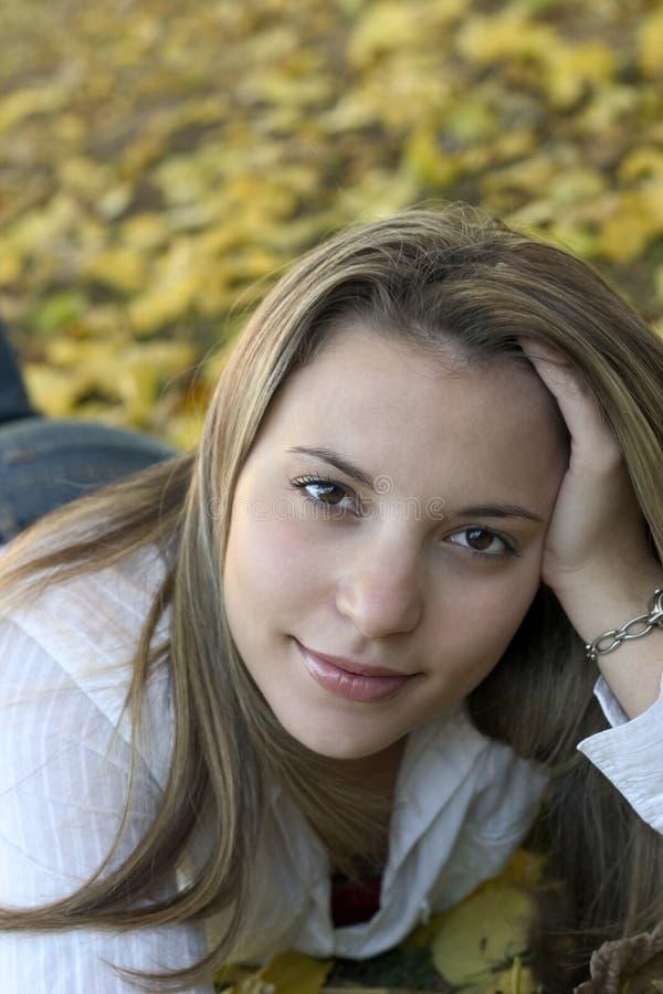 Download Femme image stock. Image du filles, beauté, jeune, assez - 52771