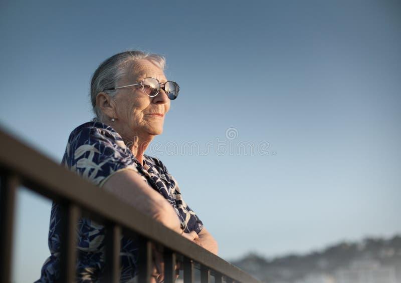 Femme aîné images stock