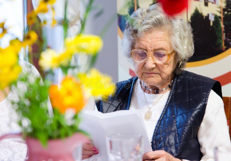 Femme aîné image libre de droits