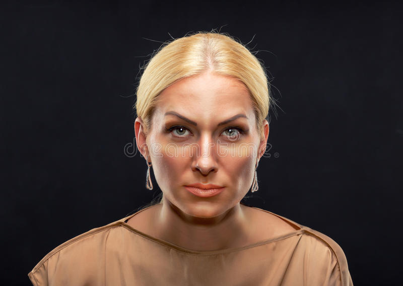 Femme adulte sérieuse photos libres de droits