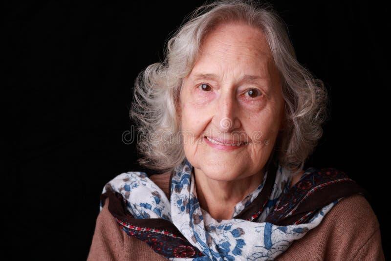 Femme adulte supérieure heureuse photos stock