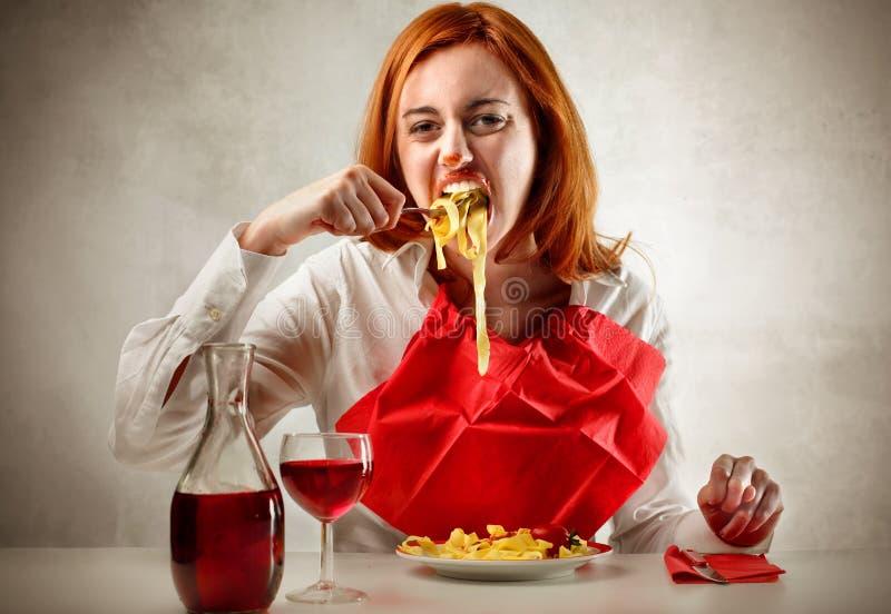 Femme affamé photo stock