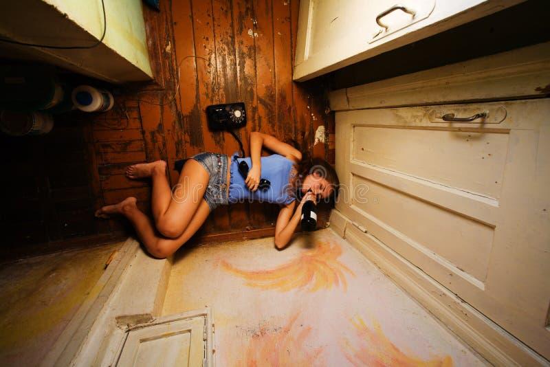 Femme alcoolique photographie stock