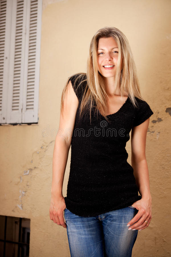 Femme amicale heureuse photographie stock
