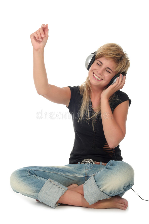 Femme appréciant la musique photos stock