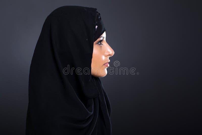 Femme Arabe mystérieuse photographie stock libre de droits