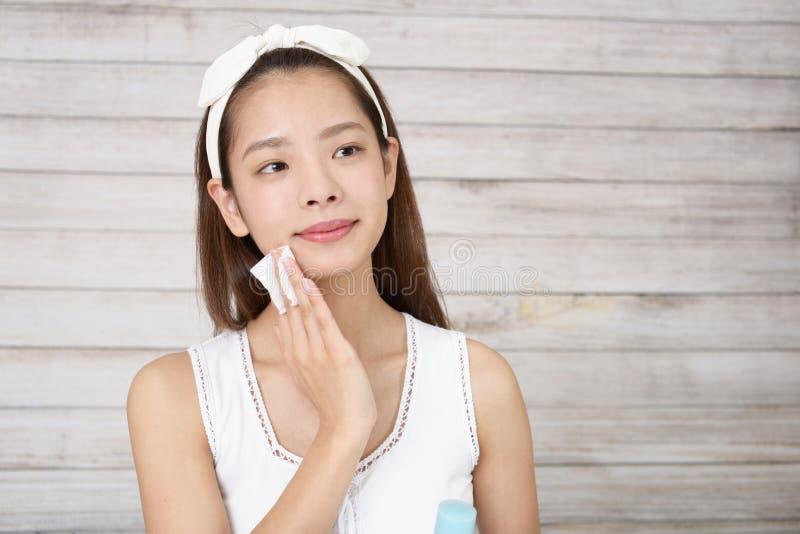 Femme asiatique attirante photographie stock