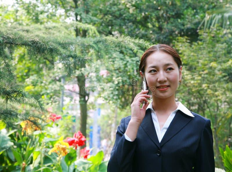 Femme asiatique d'affaires images stock