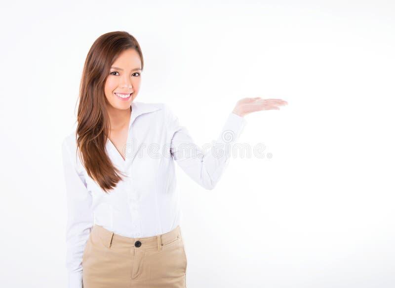 Femme asiatique d'affaires sur le fond blanc avec l'espace de copie image libre de droits