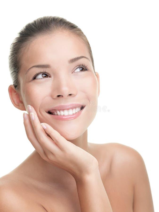 Femme asiatique de soin de peau photographie stock