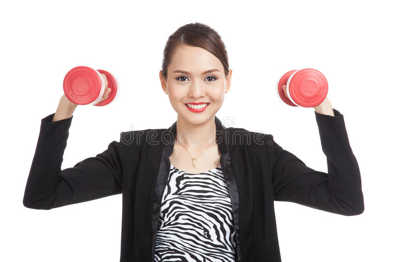 Femme asiatique en bonne santé d'affaires avec des haltères photographie stock
