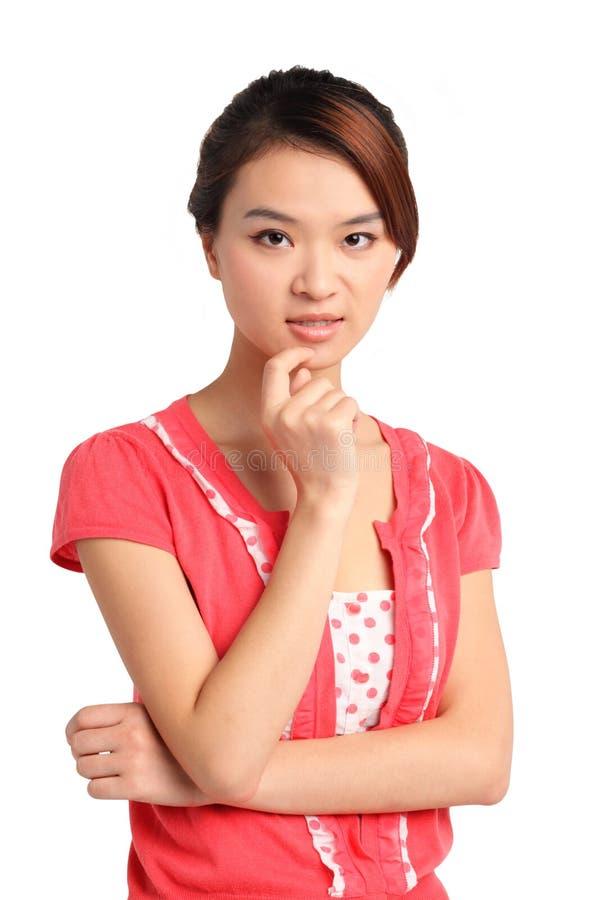 Femme asiatique réfléchie images stock
