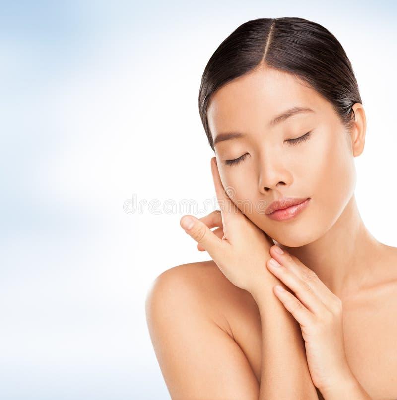 Femme asiatique sensuelle photographie stock