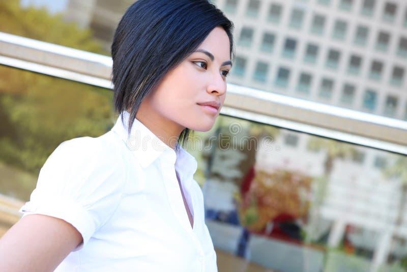 Femme assez asiatique d'affaires photos libres de droits