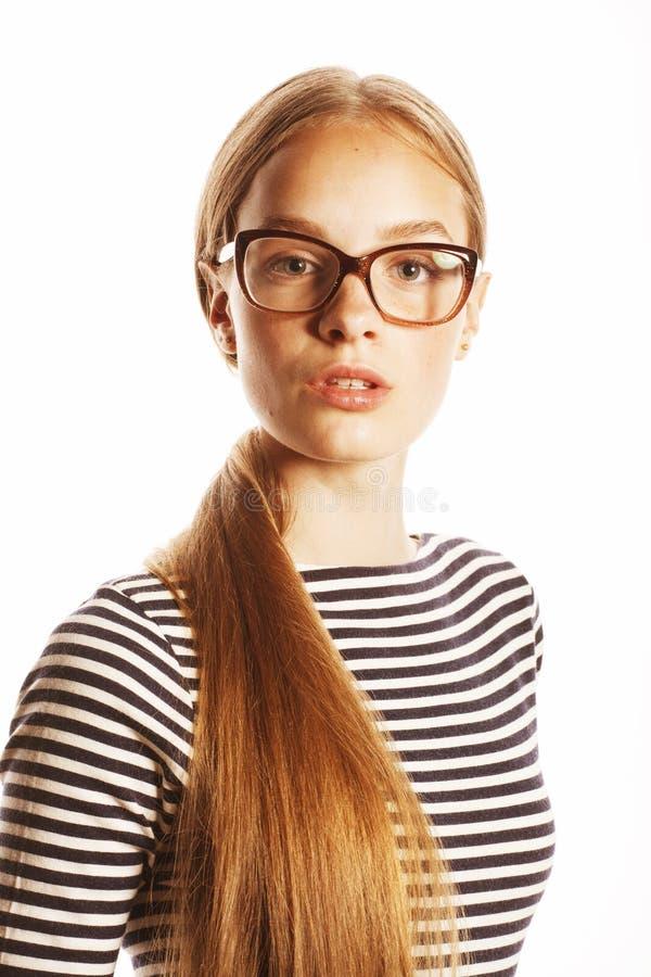 Femme assez jeune d'affaires en verres sur le blanc d'isolement photos libres de droits