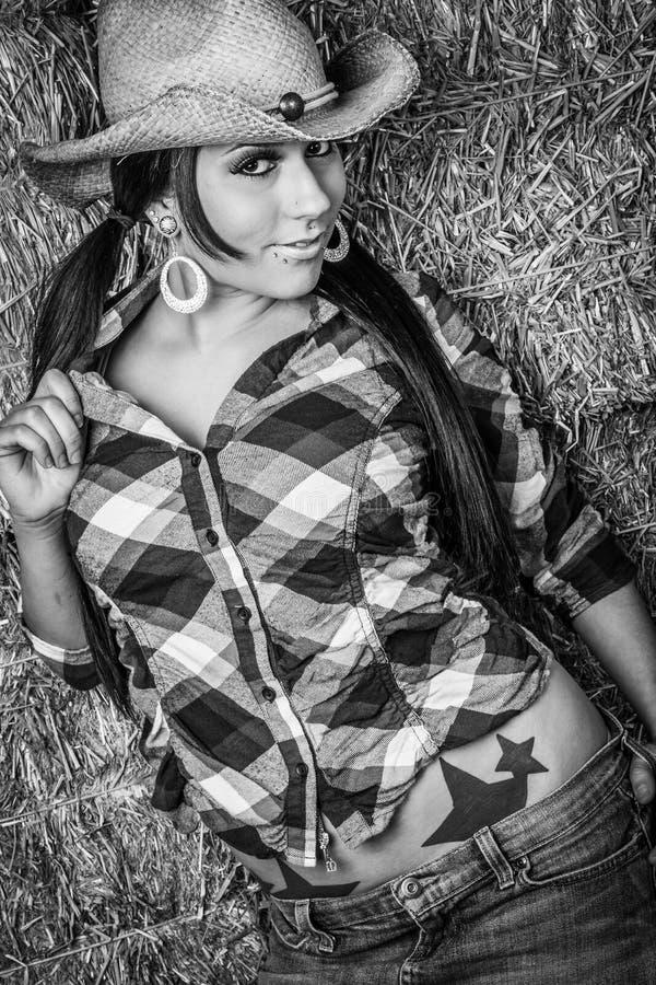Femme assez jeune de cow-girl photo libre de droits