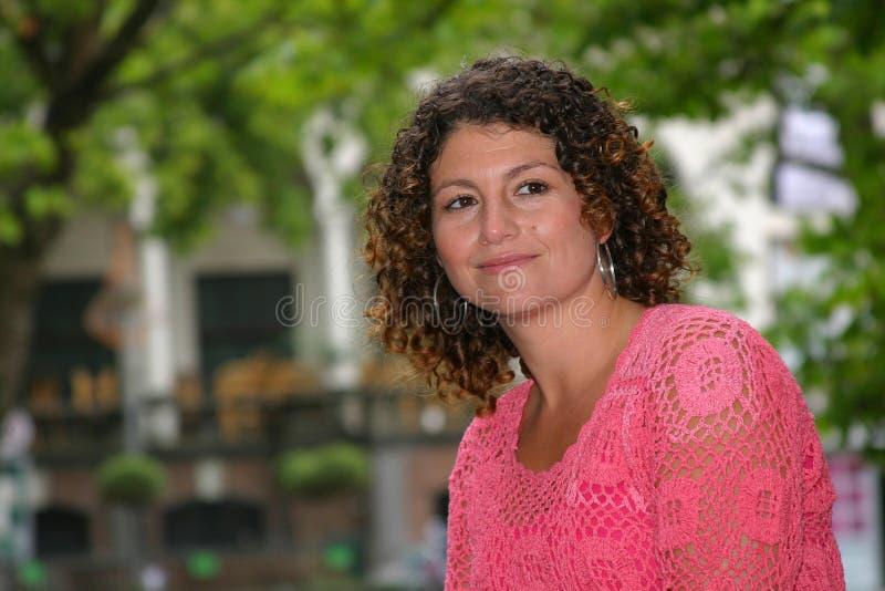 Femme assez tunisienne photographie stock libre de droits
