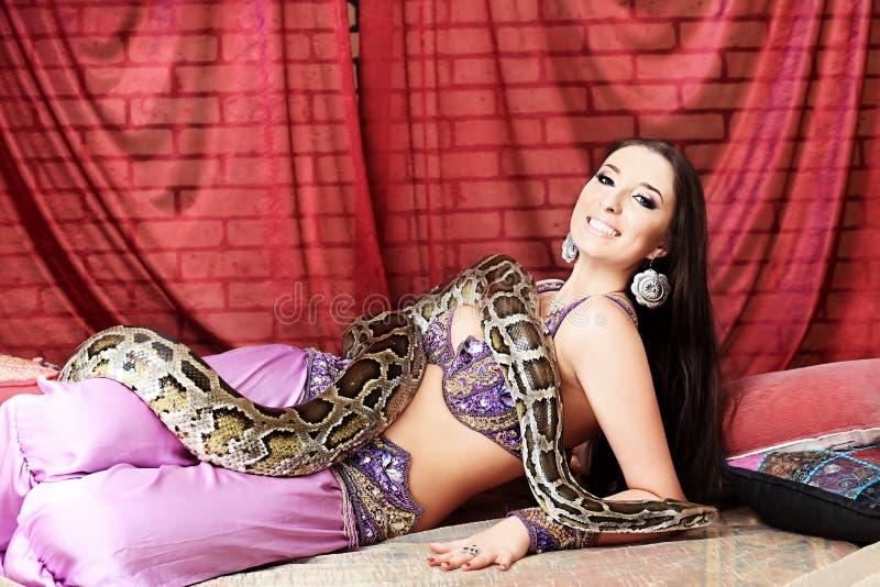 Femme attirant images stock