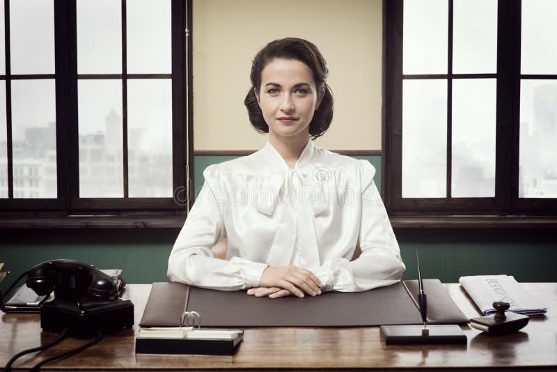 Femme attirante d'affaires de vintage images libres de droits