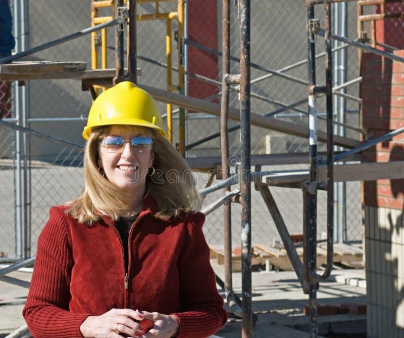 Femme au chantier de construction image libre de droits