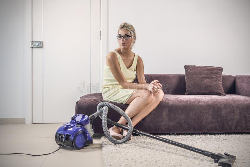 Femme au foyer désespérée photo libre de droits