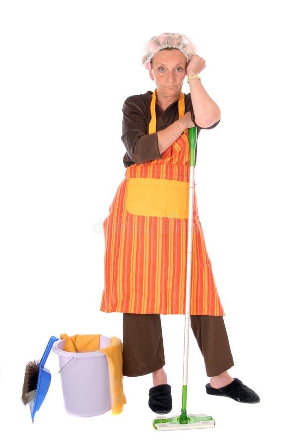 Femme au foyer de nettoyage images stock
