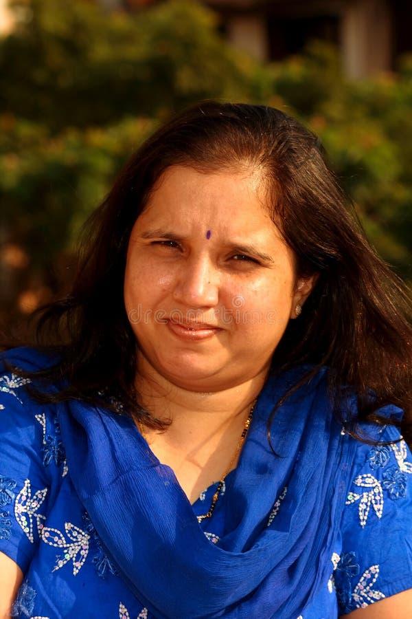 Femme au foyer indienne en bonne santé images stock