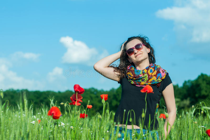 Femme au soleil photos libres de droits