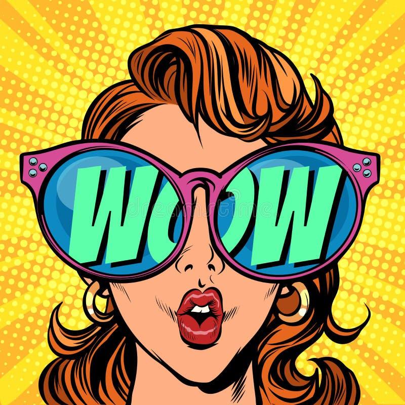 Femme avec des lunettes de soleil wouah par réflexion illustration libre de droits