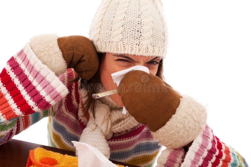 Femme avec des sympt40mes de grippe images libres de droits