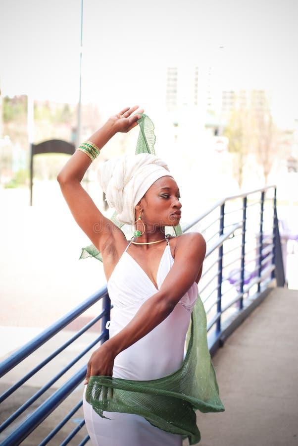 Femme avec l'écharpe 9 photo libre de droits