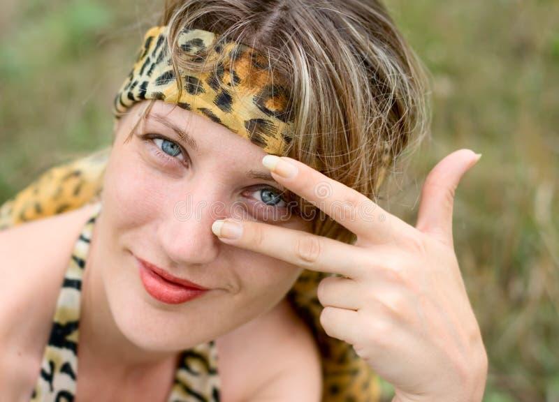 Femme avec la bande photographie stock libre de droits