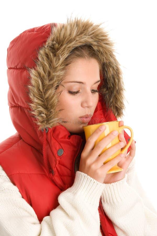 Femme avec la boisson chaude photo stock