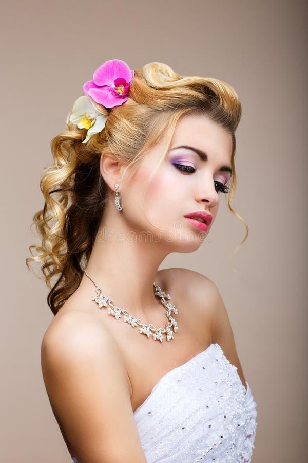 Sophistication. Femme affectueuse sensuelle dans la rêverie. Peau propre saine. Beauté naturelle images libres de droits