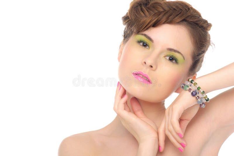 Femme avec le bijou des pierres normales photo stock