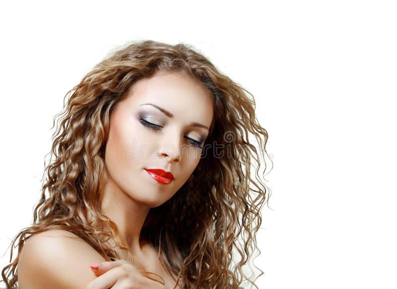 Femme avec le cheveu boucl? naturel image libre de droits