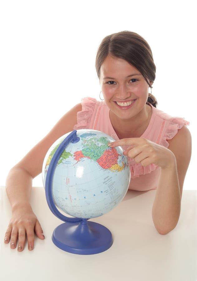 Femme avec le globe images libres de droits