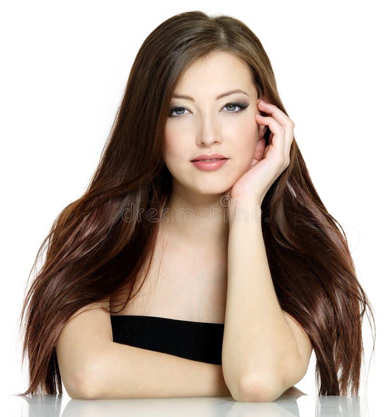 Femme avec le long cheveu brun images libres de droits