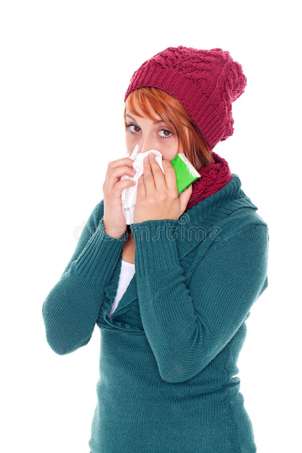 femme avec le loquet de mouchoir un froid photo stock