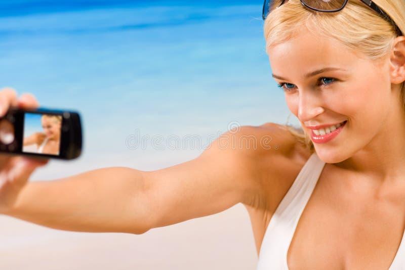 Femme avec le portable photo libre de droits