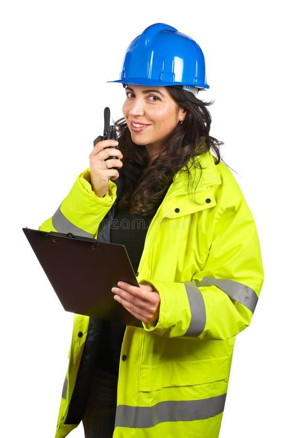 Femme avec le talkie-walkie photographie stock