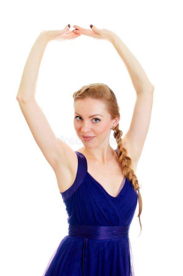 Femme avec le tresse dans la robe bleue photo stock