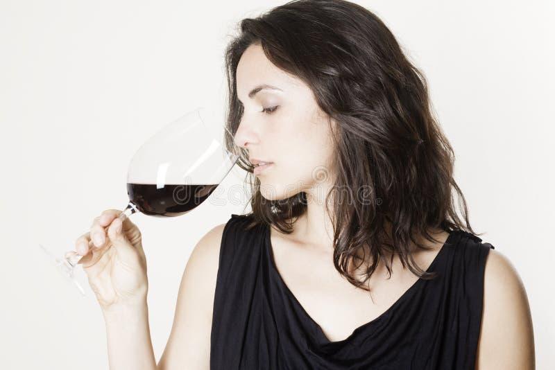 Femme avec le vin rouge photos libres de droits