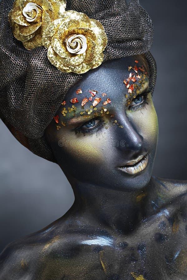 Femme avec le visage noir photos stock